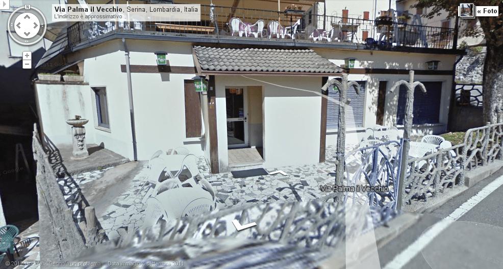 L'entrata dell'ex Sala Giochi Alpino ora sede di una birreria