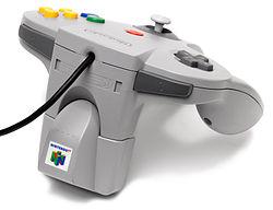 Il Rumble Pak montato sul Joypad del Nintendo 64