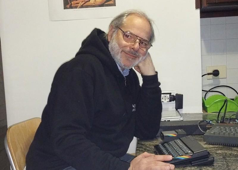"""Luca ed il suo """"storico"""" ZX Spectrum con il 128K +2 sullo sfondo..."""