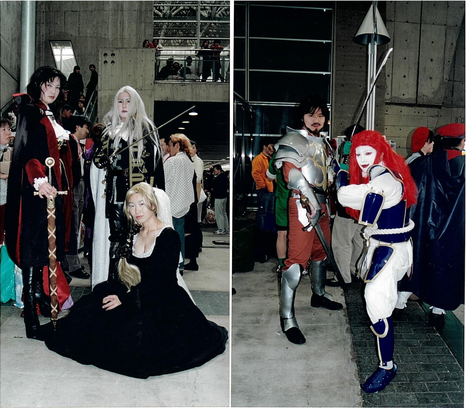 Alcune foto di cosplay alla presentazione stampa di PS3 (se non vado errato) ...
