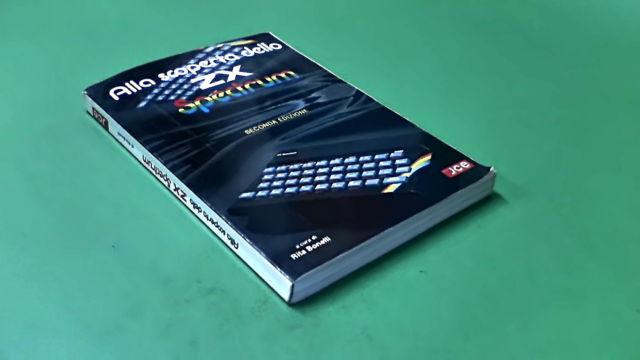 Il manuale è piccolo ma compatto! Perfetto da portare in giro...